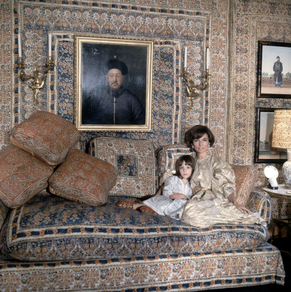 "Furnished description: ""Princess Lee Radziwill with daughter Anna Christina in the Turquerie room of their London house. Interior designed by Renzo Mongiardino."""
